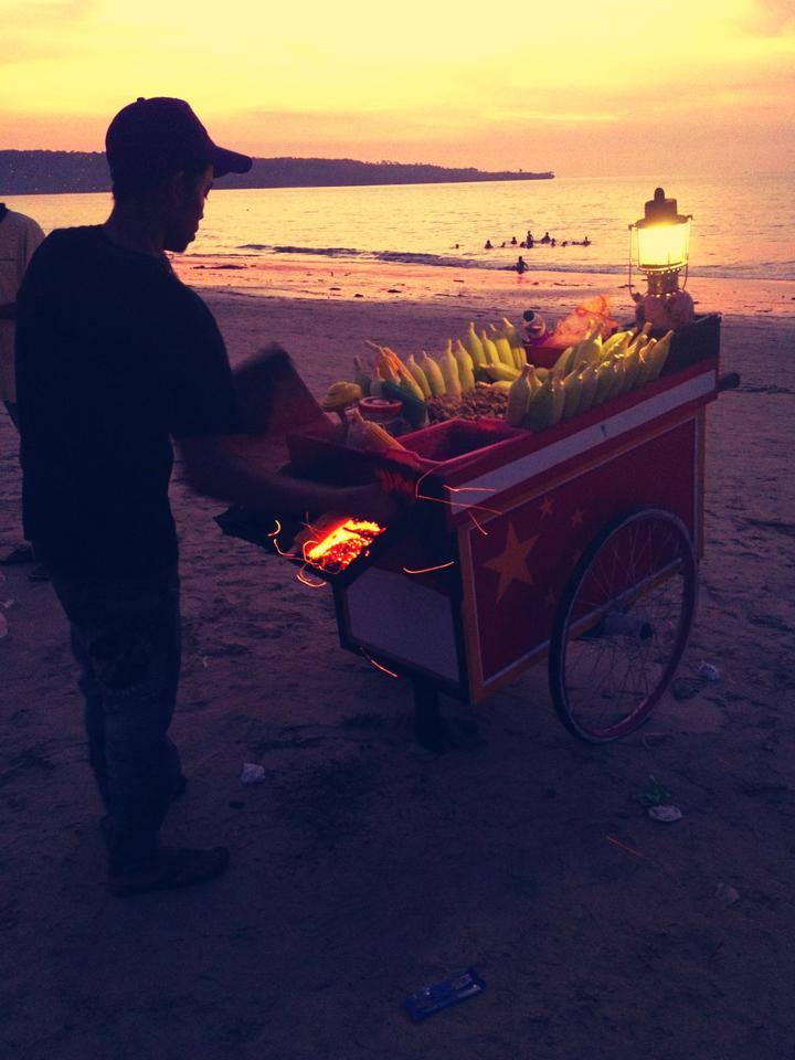 colour-corncob-seller