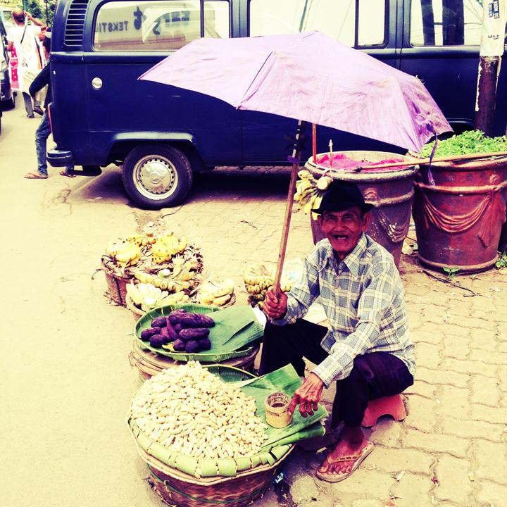 peanut-seller-Jakarta