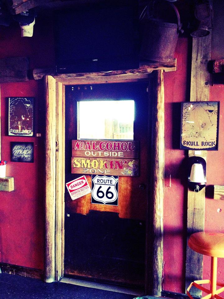 interior-doorway-saloon