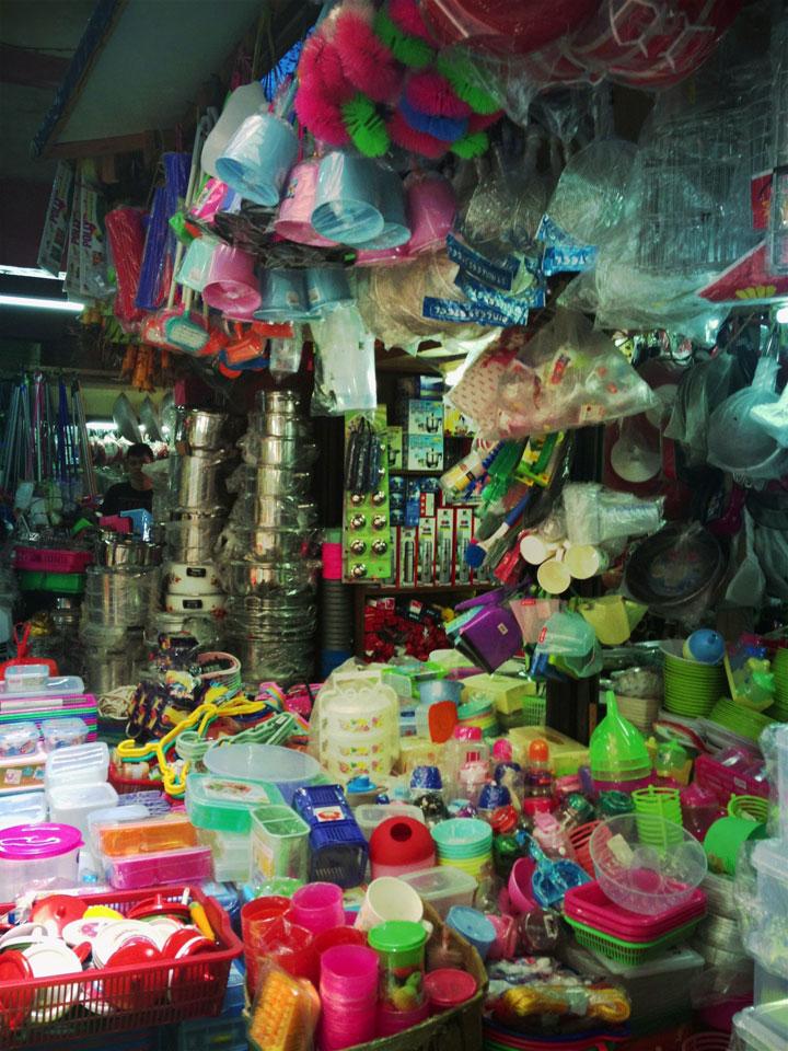 Jakarta Pasar tebet, plastic goods