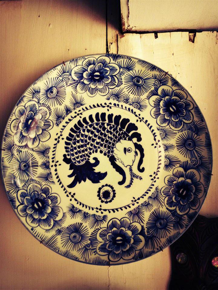 antiques-jakarta-jalan-surabaya-blue-fish-bowl