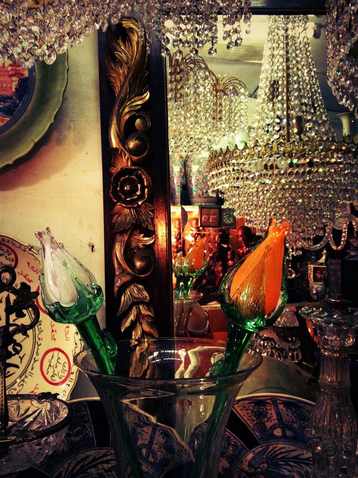 antiques-jakarta-jalan-surabaya-glass-tulips