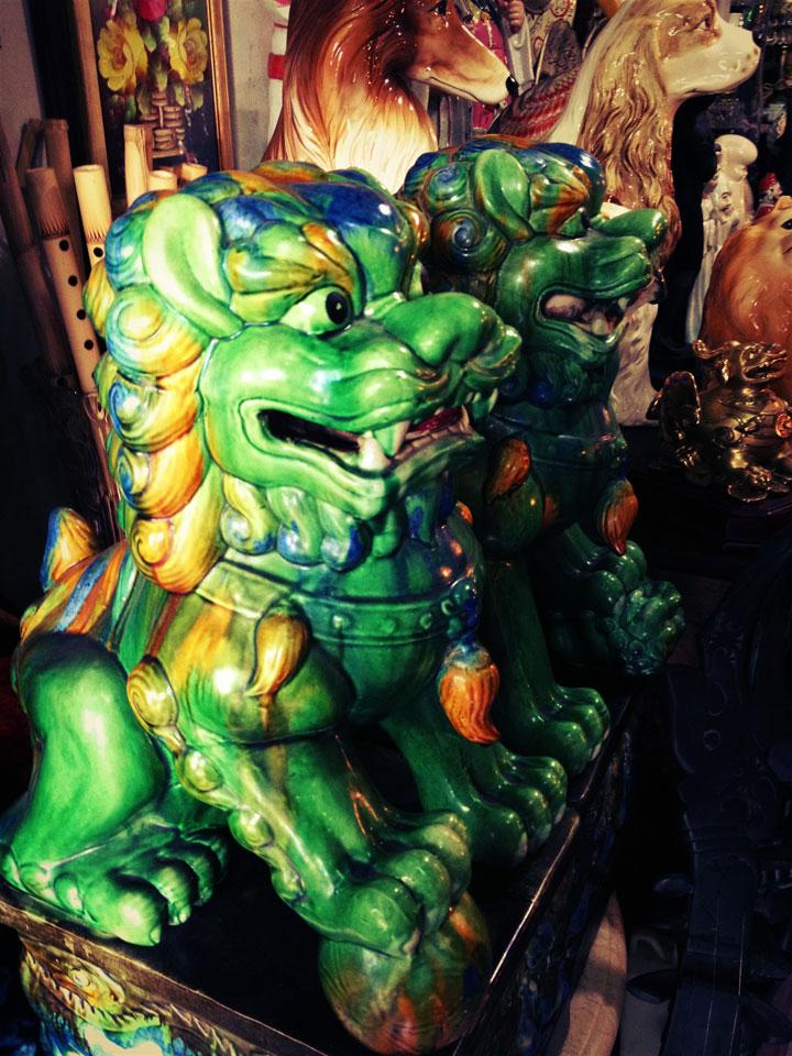 antiques-jakarta-jalan-surabaya-green-dragons