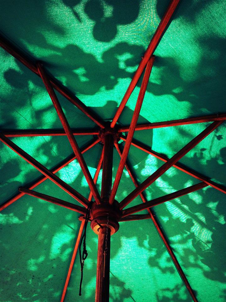 bali-sanur-beach-parasol
