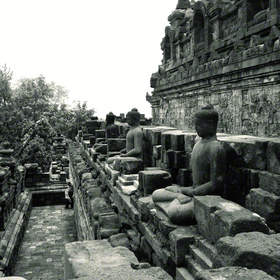 borobudur-indonesia-buddhas
