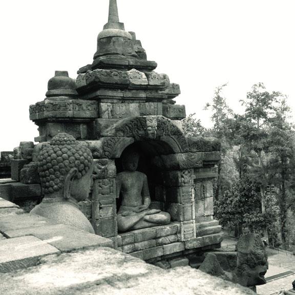 borobudur-temple-sitting-buddha
