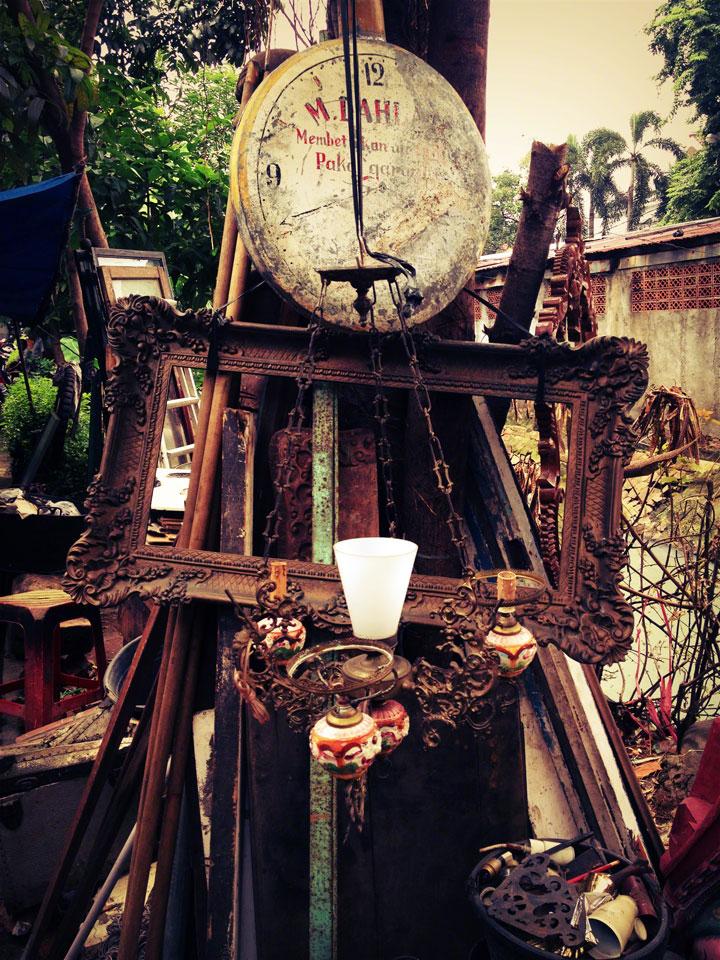 jakarta-antiques-jalan-surabaya-frames