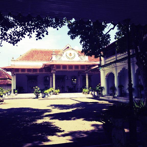 jogja-kraton-sultans-palace