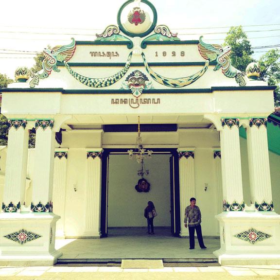 kraton-jogja-entranceway