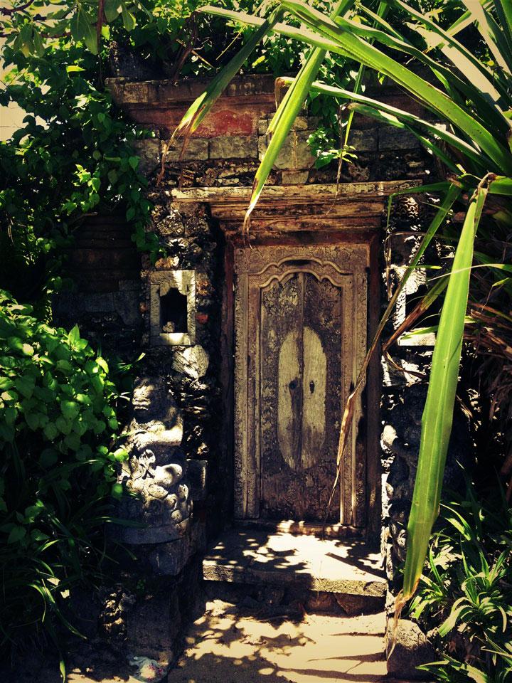 sanur-bali-doorway