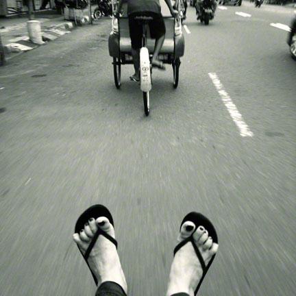 yogyakarta-becak-lottie-nevin-racing