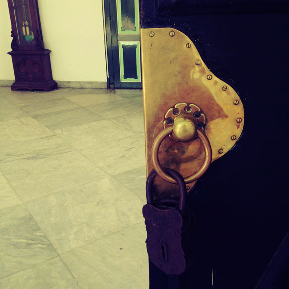 yogyakarta-kraton-padlock