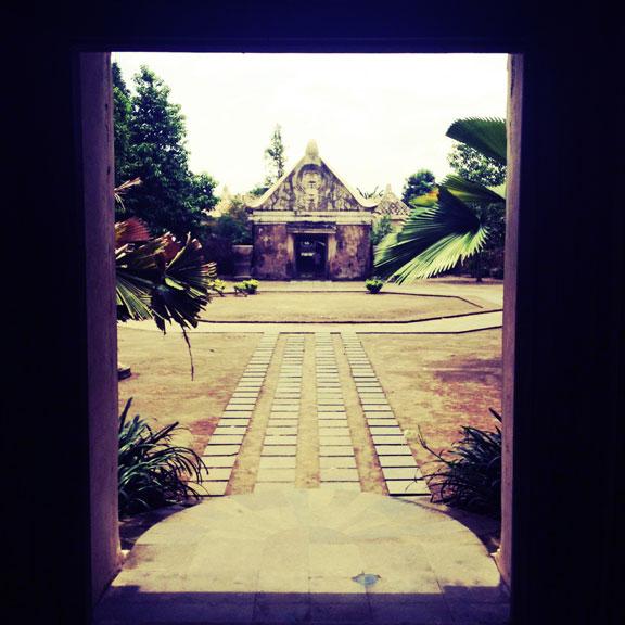 yogyakarta-taman-sari-doorway