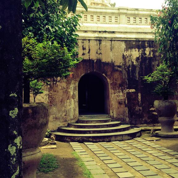 yogyakarta-taman-sari-steps