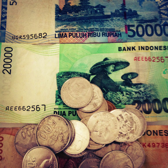 indonesian-rupiah-notes-coins