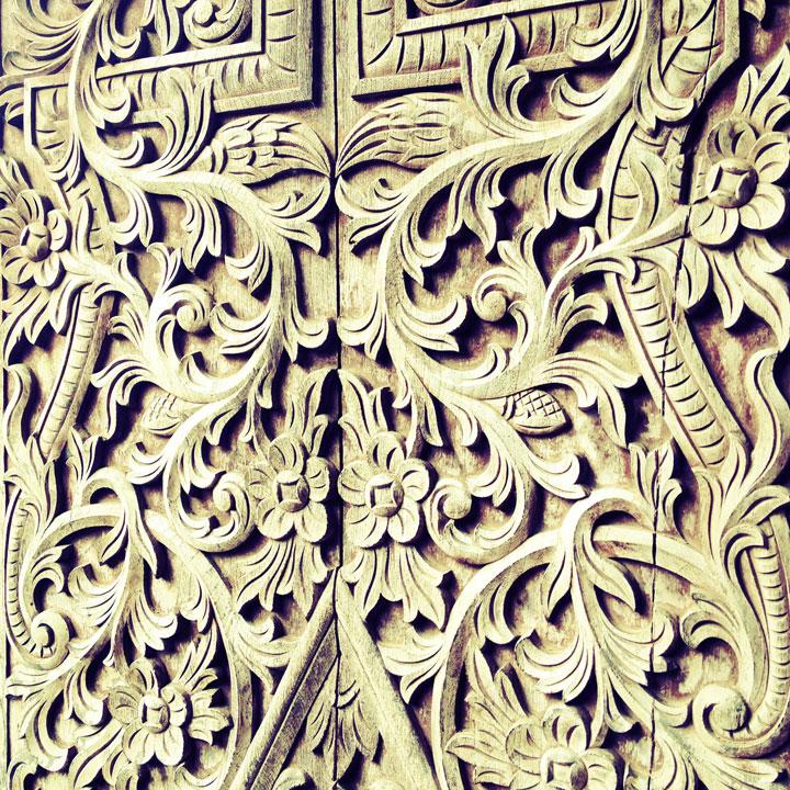 java-wooden-door-lottie-nevin