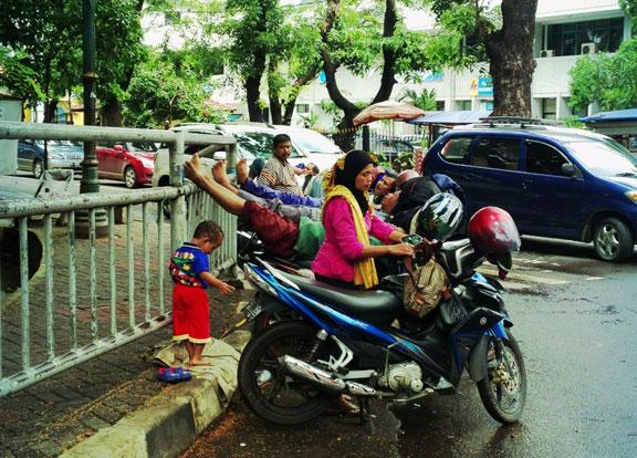ojek-riders-jakarta-transport
