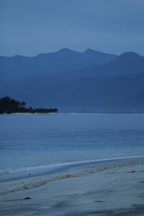 gili-trawangan-lombok-mountains