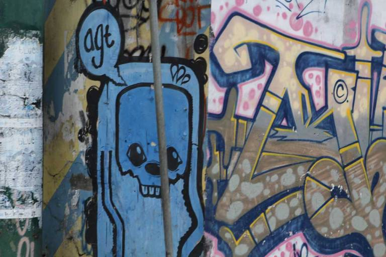 jogja-street-art--blue