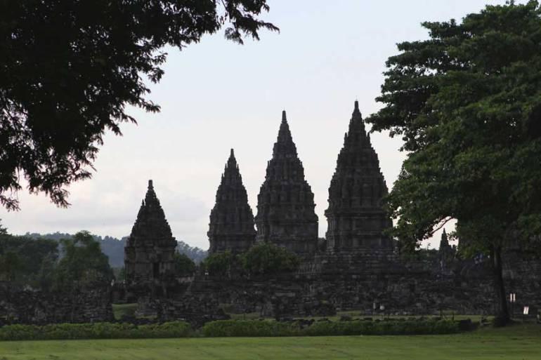 prambanan-west-side