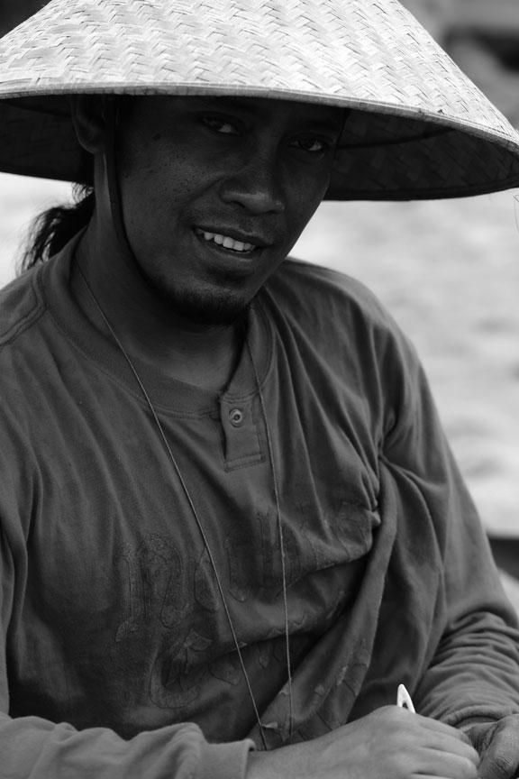bali-jimbaran-fisherman-hat