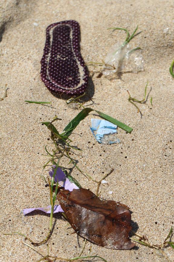 beach-trash-jimbaran-bali-indonesia