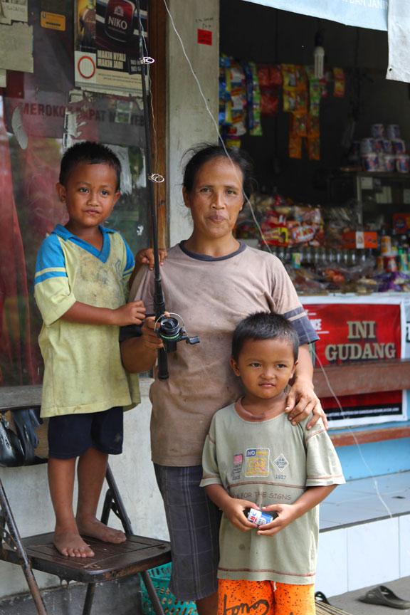 family-bali-fishing-indonesia