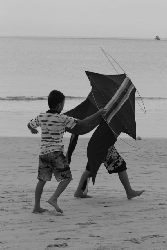 kite-boys-jimbaran-images-bali