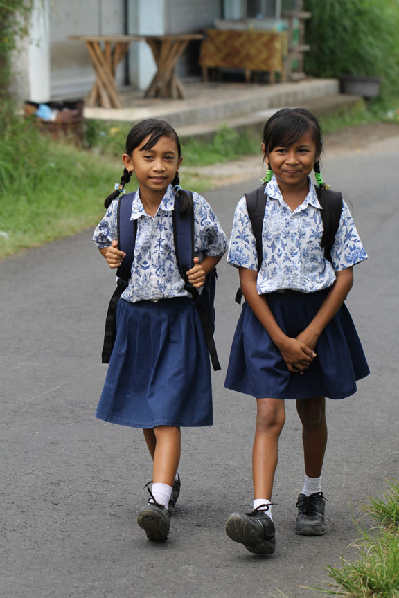 walking-home-from-school-bali-indonesia