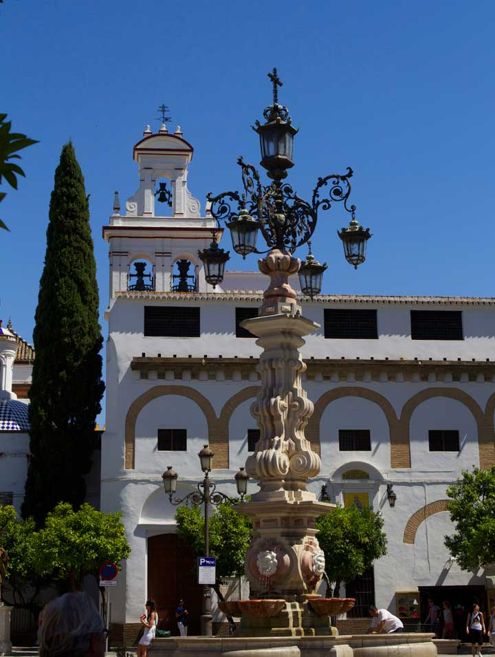 seville-buildings-white