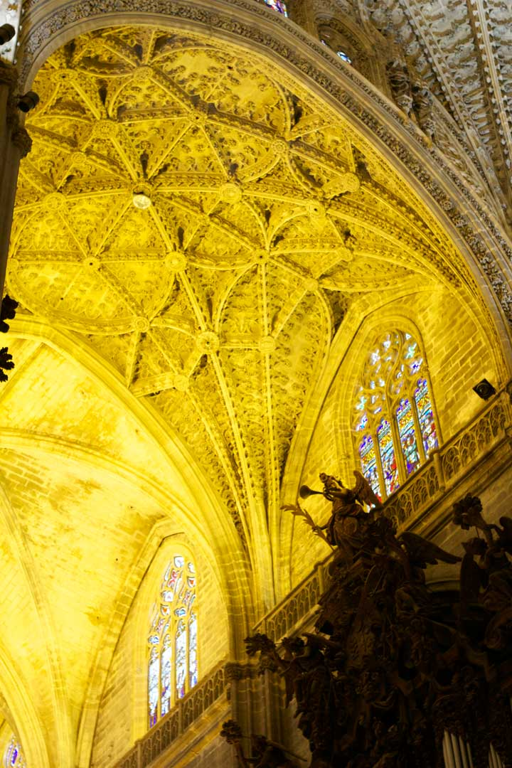 seville-cathedral-ceiling-two