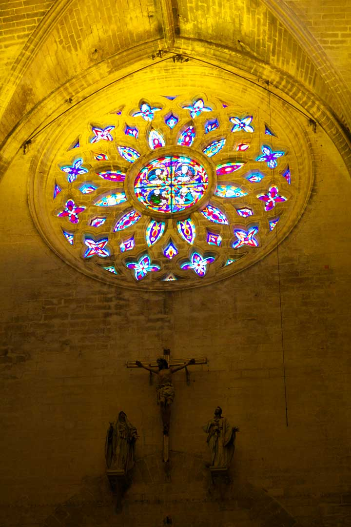 seville-cathedral-rose-window