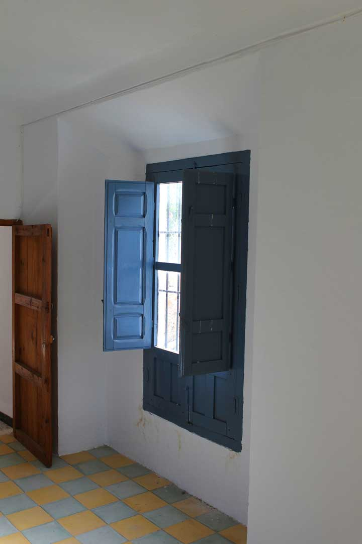tiles-and-shutters