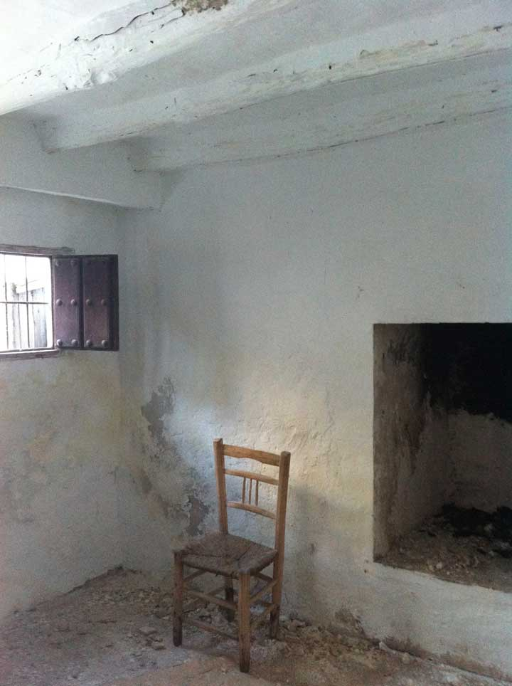tiny-window-and-fireplace
