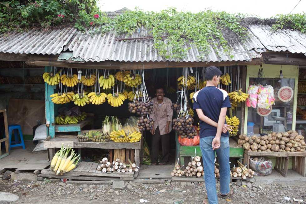 Banana seller, Bogor.