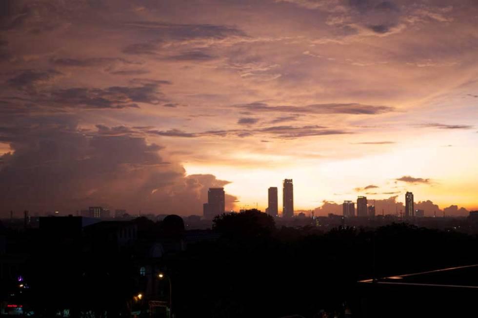 evening-skyline-jakarta