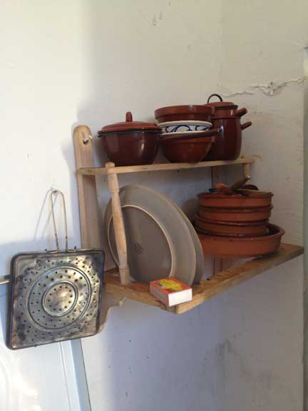 terracota-pots-and-pans