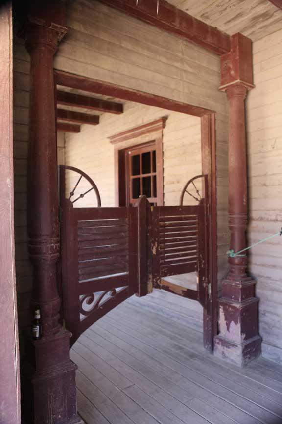 swinging-doors---fort-bravo---lottie-nevin