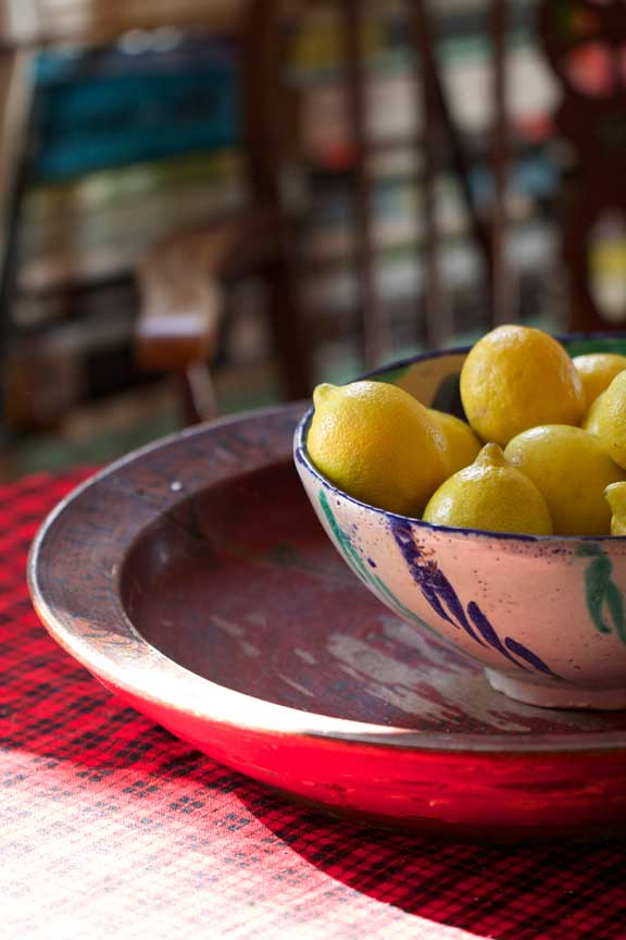 lemons-in-bowl