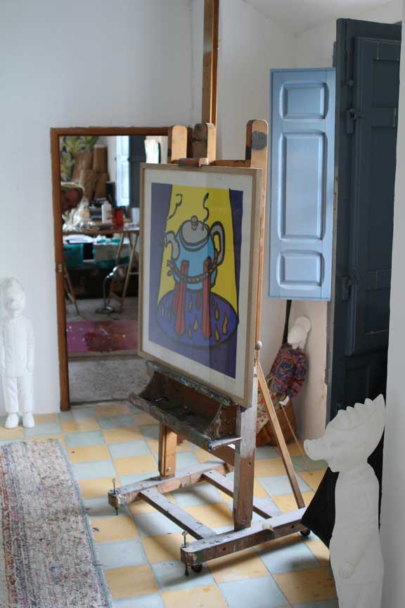easel-and-sculptures